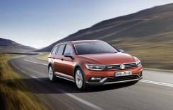 Passat Alltrack escaladează standul VW la Geneva