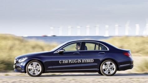Două premiere pentru Clasa C: Mercedes-Benz C 350 Plug-in-Hybrid şi C 450 AMG Sport Line