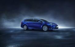 Toyota vine la Geneva cu un facelift pentru Avensis