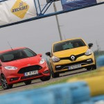Ford Fiesta ST vs Renault Clio RS