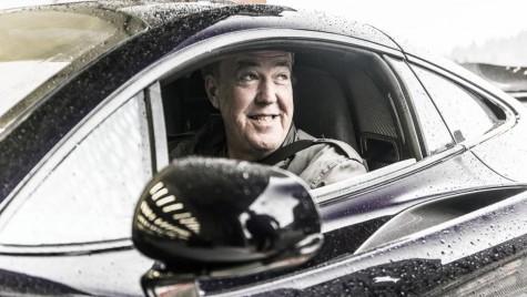 Jeremy Clarkson se ia de o fată de 16 ani. Fiica lui îl pune la zid