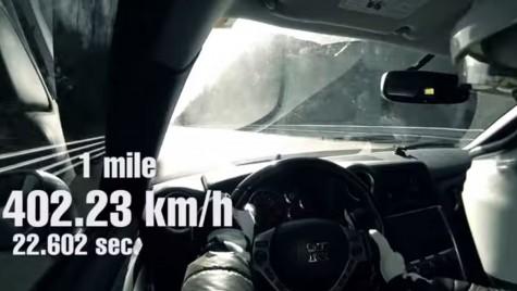 Un Nissan GT-R şi 400 km/h. Atinşi repede