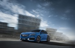 Peugeot 308 R HYbrid face 0-100 km/h în patru secunde