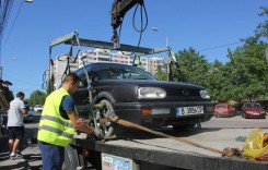 Reincepe ridicarea masinilor parcate ilegal. AFLĂ DE CÂND