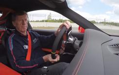 """Walter Rohrl """"zboară"""" la volanul noului Porsche 911 GT3 RS"""