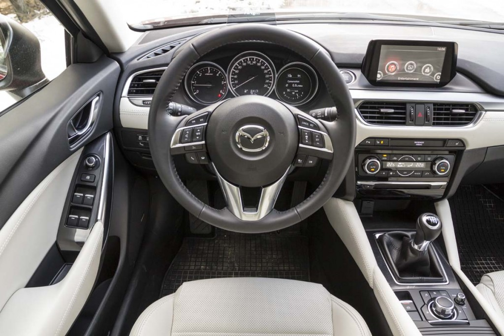 Comparativ AutoExpert - clasa medie - Mazda6 Peugeot 508 VW Passat (004)