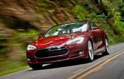 Inginer român concediat de uzina Tesla