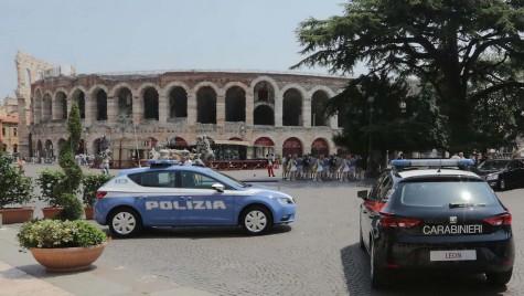 Poliţia din Italia renunţă la mândria naţională şi se înarmează de la Seat