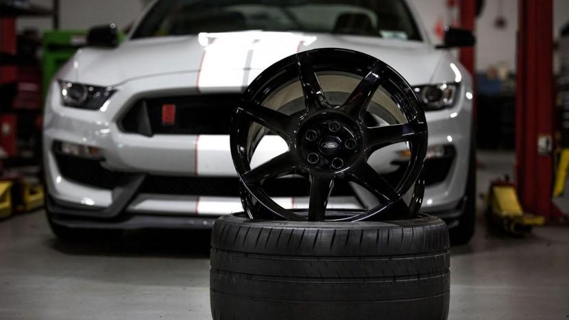 Shelby GT350R Mustang - autoexpert.ro