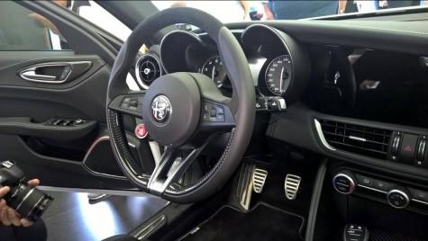 Interiorul noii Alfa Romeo Giulia fotografiat din toate unghiurile