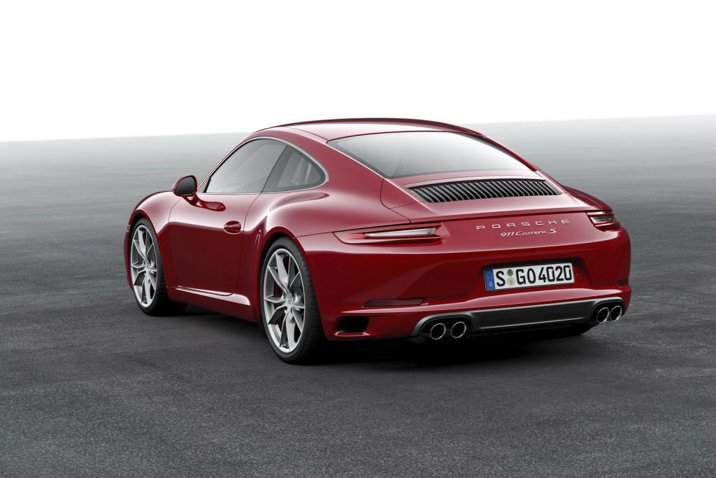 2016-Porsche-911-8