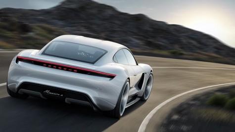 Porsche Taycan, comandat înainte de a fi prezentat