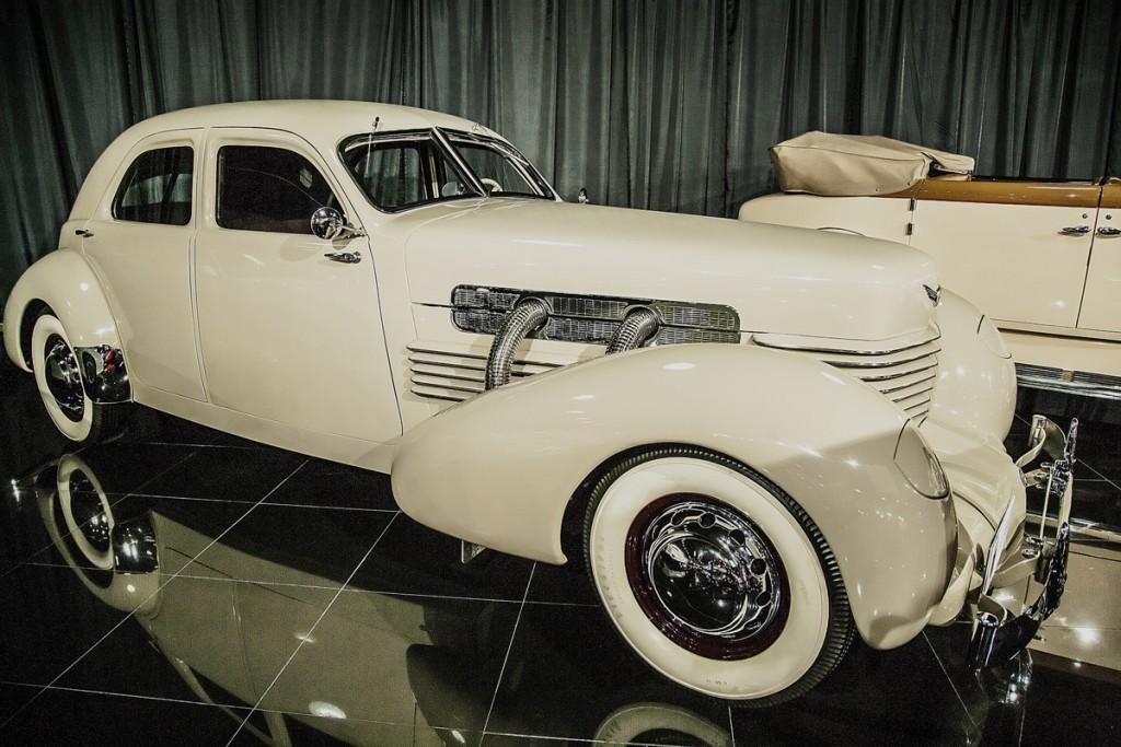 Cord 812 Custom Beverly cu certificat A.C.D. Certified Category 1 Original, adică absolut toate componentele sunt originale, din 1937.