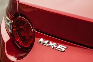 Mazda_MX5_Nissan_370Z_Nismo_AutoExpert