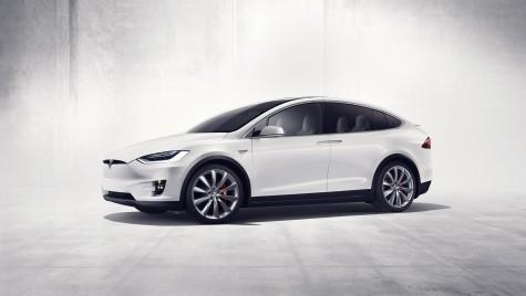 Tesla lansează primul SUV electric – Model X