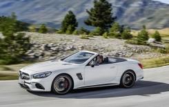 Mercedes-Benz SL facelift vine cu un design nou şi un plus de putere
