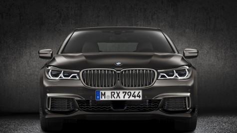 BMW ar urma să elimine din gamă modelul M760Li echipat cu motor V12