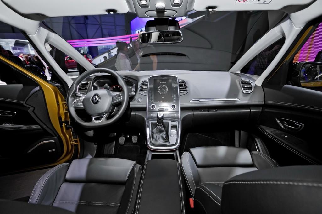 Renault-Scenic-6