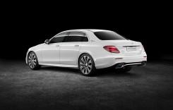 Un Mercedes E lung aproape cât un S