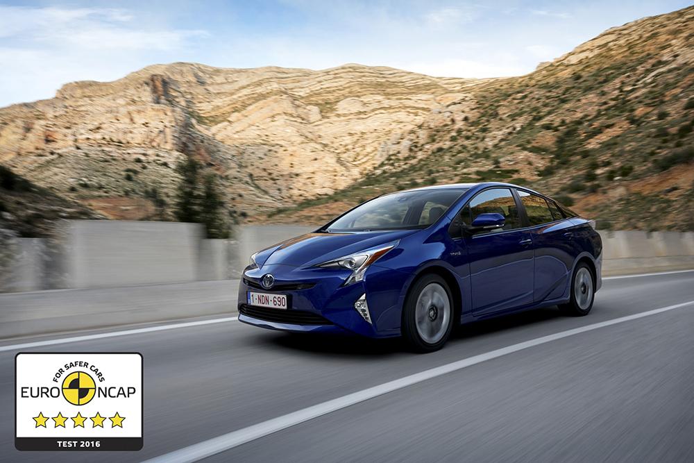 2016 Toyota Prius Crash Test (6)
