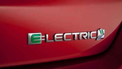 Atac la Tesla: Ford electric, cu 200 de mile autonomie