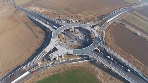 Cum arată primul sens giratoriu suspendat din România