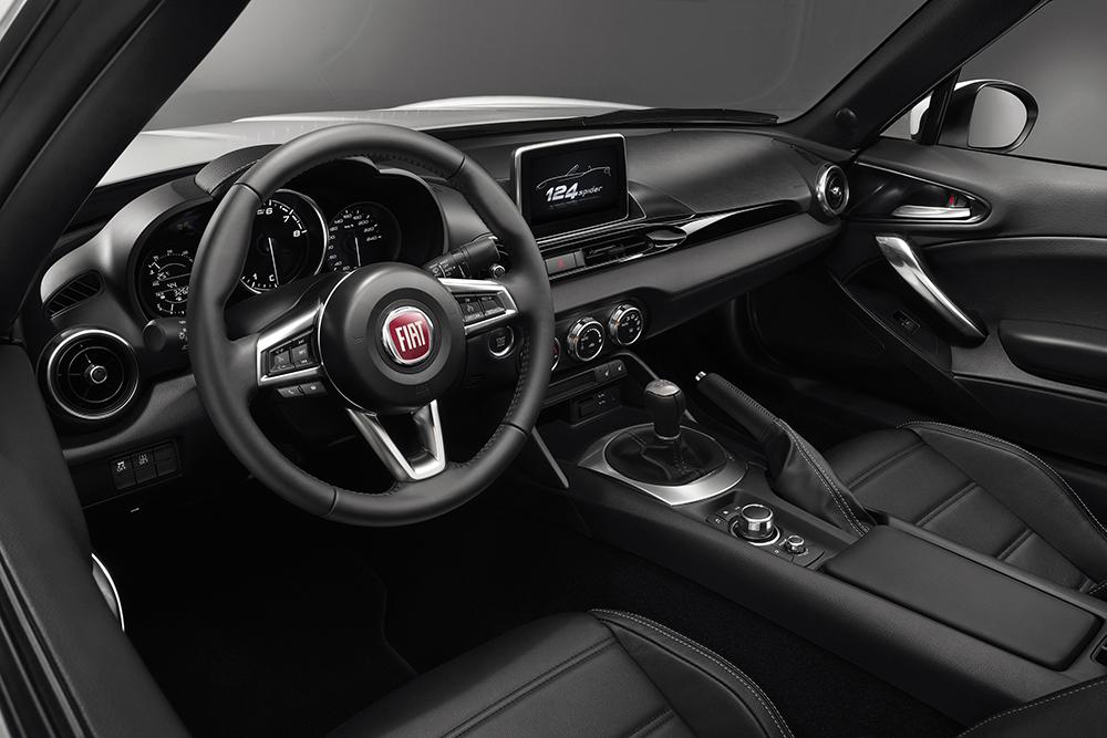 2017 Fiat 124 bord