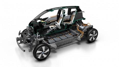 BMW i3 cu baterie de 33,2 kWh: verde la comenzi!
