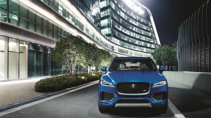 Jaguar F-Pace lansare Dubai