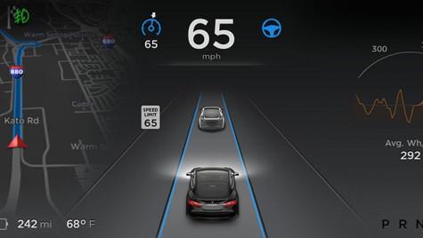 Tesla Model S – autopilot dă greș. Din nou.
