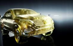Aur lichid – Uleiul de motor Petronas Mercedes