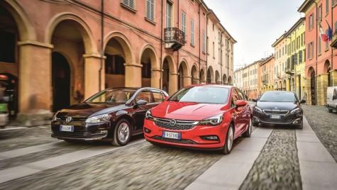 TEST Opel Astra 1.0 versus VW Golf 1.0 TSI, Peugeot 308 1.2L