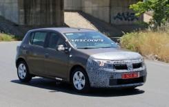Dacia Logan MCV și Sandero facelift spionate!