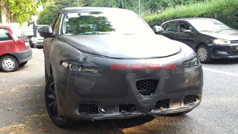 Interiorul lui Alfa Romeo Stelvio spionat!