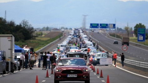Record mondial: 1527 de Forduri aliniate în Bulgaria