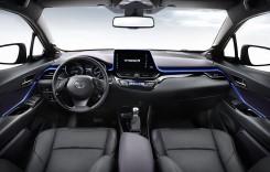 Toyota C-HR își dezvăluie interiorul