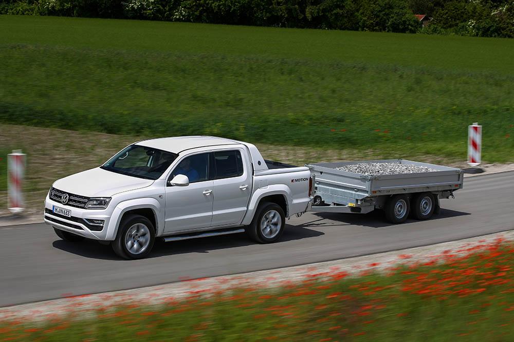 Dacă legislația i-ar permite, Amarok V6 ar putea tracta pe stradă și remorci mai grele de 3,5 tone.