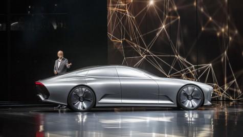 Mercedes electric atacă Tesla Model S la Paris