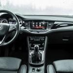 Comparativ clasa compactă Opel Astra