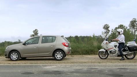Dacia Sandero, furată de un polițist!