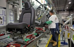 Faurecia deschide o fabrică de componente auto în Vâlcea