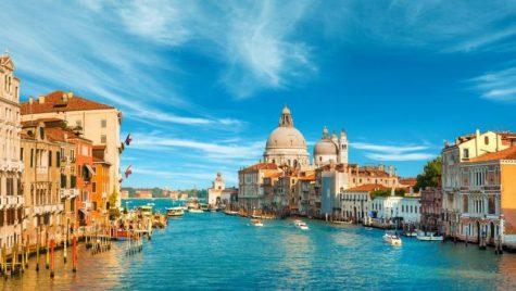 5 oraşe pe care trebuie să le vizitezi toamna aceasta