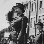 Elisabeta a II-a (2)