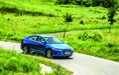 Test drive Hyundai Elantra 1.6 CRDi