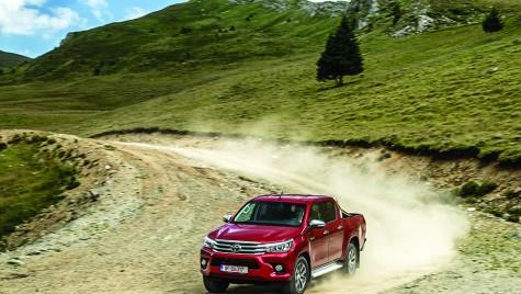Test drive Toyota Hilux: pentru Chuck Norris!