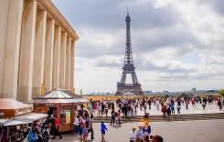 Se scumpesc excursiile la Paris. Ce vor păţi operatorii de autocare
