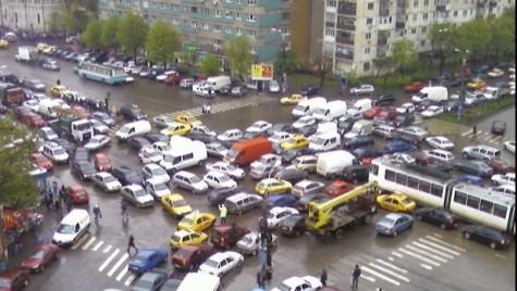 De ce transportul prin Bucureşti a devenit un coşmar