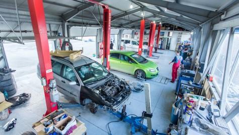 Zeci de service-uri auto, închise de Protecția Consumatorilor