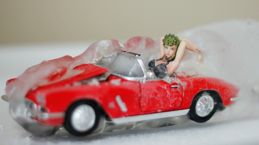 frozen-doll-panopoulos-girls-in-cars