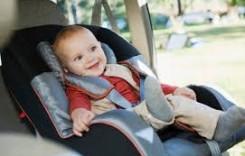 Pericolele din scaunul de mașină pentru copii